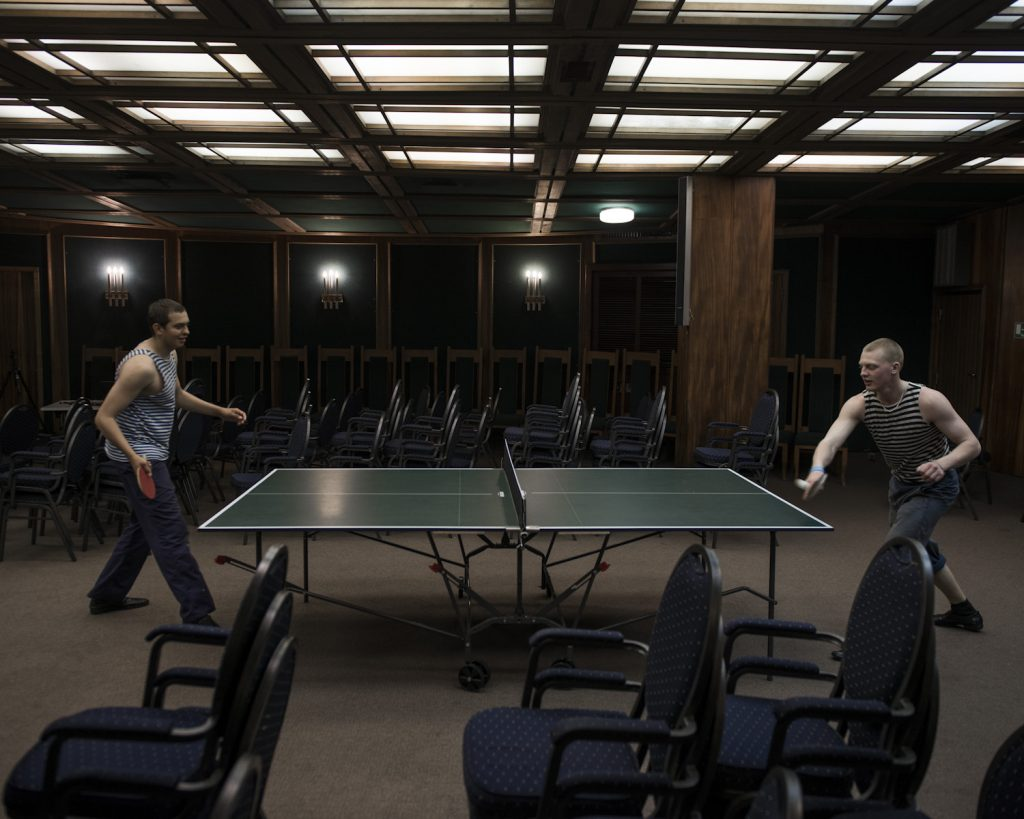 During off-peak hours, cadets organize table tennis tournaments int he conference room. Other activities are available: a sports room, music instruments, film screenings.
