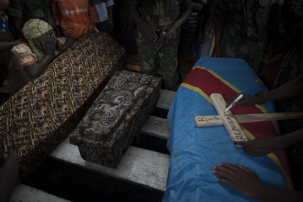 Enterrement du major des FARDC Tito Lwaboshi Sekalashi, abattu à son domicile avec son épouse et son enfant.